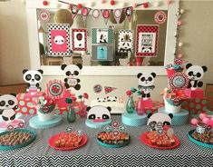 love all of the colors of this panda party! -See more Panda Party ideas on B. Panda Birthday Party, Trolls Birthday Party, Panda Party, Baby Birthday Cakes, 1st Boy Birthday, Birthday Party Decorations, Birthday Celebration, Birthday Parties, Paula Stephania