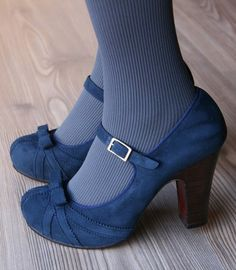 ❥ blue suede shoes~ these are so cute!