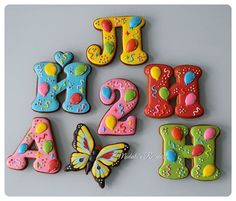 Яркие буквы для Айлин #royalicingcookies #gingerbread #decoratedcookies #cookiedecoration #sugarart #пряник #пряники #имбирноепеченье #имбирныепряники #пряникалматы #пряникиалматы #customcookies