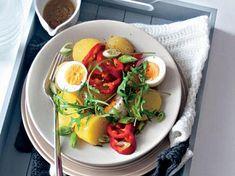 Bramborový salát s vejci Cobb Salad, Feta, Chicken, Lasagna, Red Peppers, Cubs