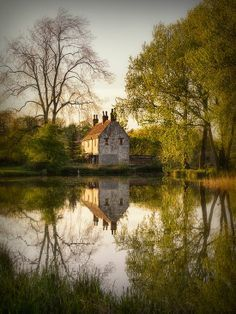 Countryside Places, English Countryside, Ian Barber, Gamekeeper S Cottage, Barbers, Houses Cottages, Lake Houses, Dream Cottages, Cozy Cottages