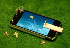 Itty-Bitty iPhone Dioramas