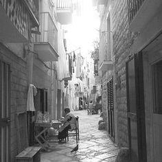 Puglia Bari Orecchiette fatte a mano e all'aperto #TuscanyAgriturismoGiratola