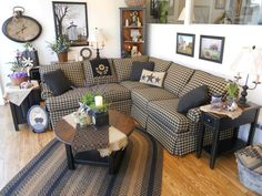 Country sectional Prim Decor, Country Decor, Living Room Sectional, Living Room Furniture, Primitive Living Room, Primitive Country, Front Room Decor, Interior Decorating Styles, Decorating Ideas