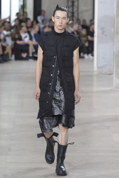 LOOK | 2016 SS PARIS MEN'S COLLECTION | RICK OWENS | COLLECTION | WWD JAPAN.COM