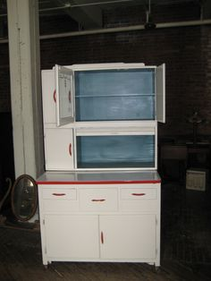 """Hoosier"" Style Vintage Kitchen Cabinets - I Antique Online"
