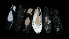 Zapatos diferentes tonos.