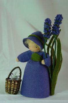 ACHTUNG!! LIEFERZEIT CA.5-6 WOCHEN!!        Handgefertigte Blumenkinder und Jahreszeitenfiguren für den Jahreszeitentisch.        Größe (Püppchen) ca.