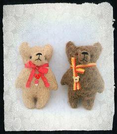 Valentines pocket Bear handmade ooak artist by Woollybuttbears,
