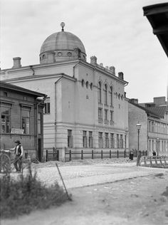Helsingin synagoga - Helsinki synagogue build 1906 - I. Jewish Synagogue, Helsinki, Historical Pictures, Historian, Old Photos, Taj Mahal, Scenery, Building, Photography