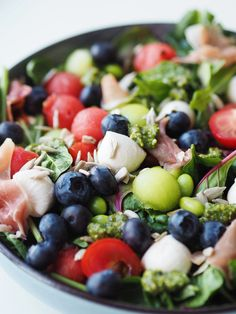 Food For Thought, Fruit Salad, Broccoli, Tapas, Food And Drink, Yummy Food, Snacks, Cooking, Green