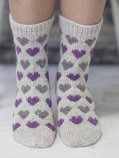 New Knitting Socks Heart Fair Isles 55 Ideas Crochet Socks, Knitted Slippers, Knitted Hats, Knit Crochet, Baby Knitting Patterns, Knitting Stitches, Knitting Socks, Woolen Socks, Patterned Socks