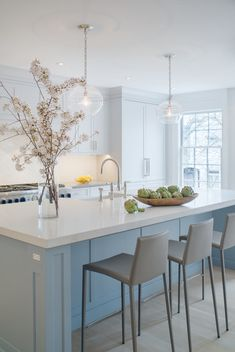 Consider Installing Kitchen Islands To Go With Your Unique Kitchen Design – Home Decor World Home Decor Kitchen, Kitchen Furniture, New Kitchen, Kitchen Ideas, Modern Kitchen Design, Interior Design Kitchen, Kitchen And Bath Design, Luxury Kitchens, Home Kitchens