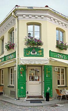 #BairroJudeu - #Vilnius, capital da #Lituânia, cidade multicultural e multirreligiosa, com habitantes lituanos, russos, polacos e judeus. Rica em arquitectura barroca