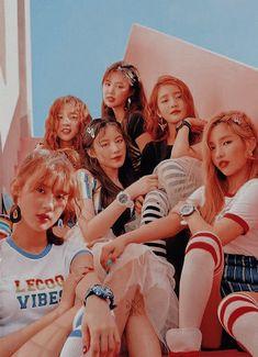 Kpop Girl Groups, Korean Girl Groups, Kpop Girls, J Pop, Mamamoo, Divas, Kpop Girl Bands, Star Magazine, Nct