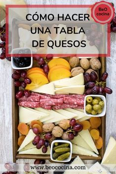 Cheese Table, Cheese Food, Types Of Cheese, Christmas Sugar Cookies, Food Platters, Fruit In Season, Deco Table, Charcuterie, Finger Foods