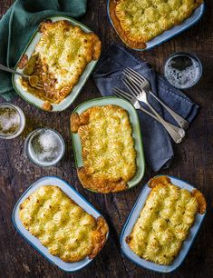 Put a cheesy twist on this classic crowdpleaser with these individual pies topped with creamy cheddar mash Meat Recipes, Indian Food Recipes, Cooking Recipes, Olive Recipes, Cooking Ideas, Vegetarian Recipes, Cottage Pie Recipe Beef, One Pot Chef, Delicious Breakfast Recipes