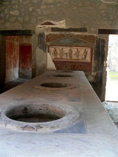 Pompeii's version of a fast food eatery