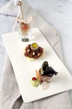Tartaar, carpaccio en lardo: een vleselijk lekker trio! Ceviche, Tapas Menu, Happy Foods, Appetisers, Fun Cooking, Party Snacks, Food Presentation, Food Design, Food Plating