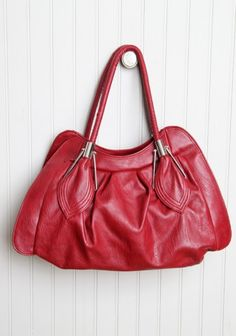 leaf bag in red, perfect for the winter/holiday season