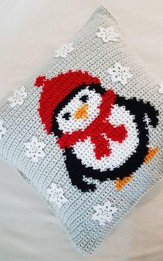 Penguin Crochet Christmas Pillow Case Pattern and Video Tutorial Penguin Crochet Christmas Pillow Case Pattern and Video image 1 Crochet Pillow Cases, Crochet Pillow Pattern, Pillowcase Pattern, Crochet Cushions, Crochet Hooks, Crochet Christmas Decorations, Christmas Crochet Patterns, Holiday Crochet, Crochet Christmas Blanket