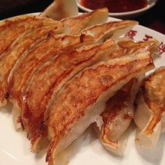 29 Cheap and Delicious Restaurants in Osaka Takoyaki, Delicious Restaurant, Osaka, Lasagna, Sushi, Restaurants, Japan, Ethnic Recipes, Travel