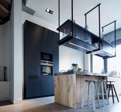 Loft Kitchen, Kitchen Dinning, Rustic Kitchen, Modern Kitchen Design, Interior Design Kitchen, Kombi Home, Classic Kitchen, Cuisines Design, Contemporary Decor