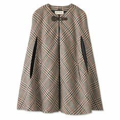 Plaid Winter Cape for Women / Classic Glen Plaid Cape -- Orvis UK Winter Dresses, Winter Outfits, Cool Outfits, Dress Winter, Mode Abaya, Mode Hijab, Look Fashion, Winter Fashion, Fashion Outfits