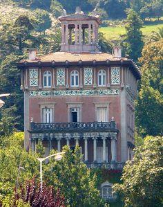 Cantabria Castro-Urdiales - Palacio de Ocharán -