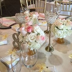 Blush wedding centerpiece at White Eagle Golf Club- Naperville-IL. By Floral Events Chicago