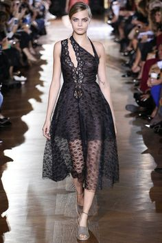 I really love the style of this dress! Stella McCartney Spring 2014 Ready-to-Wear Collection