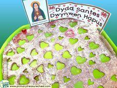 Wales - Saint David's Day - Dydd Santes Dwynwen Themed Playdough Multi-sensory Tray Ideas and Activities Multi Sensory, Sensory Play, Welsh Gifts, Saint David's Day, Tuff Spot, Playdough Activities, Tuff Tray, Eyfs, Role Play