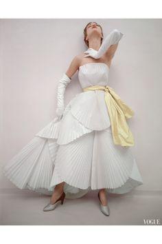 "Jean Patchett, ""Paris Drama"" Dior, May Vogue 1950. Norman Parkinson"