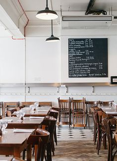 A must have list with the best local restaurants, bars, hotels and much more.  Check out http://www.cityisyours.com/explore/?query=London  #london #explore #restaurant #bar #hotel