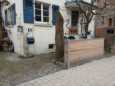 AuBergewohnlich Art In The Front Yard