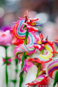 "Mid-autumn festival children's toys made of flour, naming ""Tò he"""