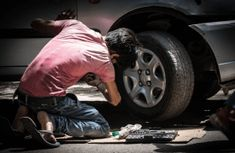 Learn All About Vehicle Repair In This Article. Are you worried about making decisions involving your auto repair and maintenance? Have you wanted to make sure you can fix a vehicle yourself if a problem Automobile, Car Buying Tips, Car Hacks, Der Arm, Diy Car, Car Cleaning, Take Care Of Yourself, Monster Trucks, How To Memorize Things