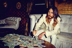 Jared Leto sexy e glamour per Flaunt magazine | Gossippando.it