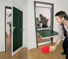 A table tennis door! Perfect for in a man cave!😆