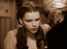 THE WIZARD OF OZ (1939) ~ Dorothy (Judy Garland ) and Professor Marvel (Frank Morgan). [GIF]