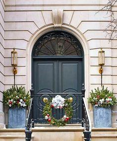 Marcus Design: {circular moldings on doors}