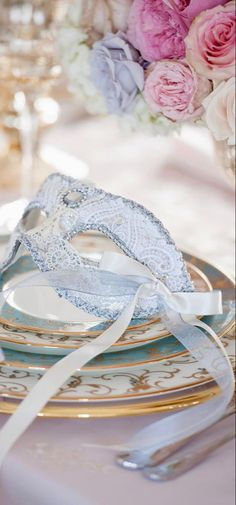 Elegant Table Settings, Blue Party, Interior Design Companies, Be My Valentine, Wedding Colors, Entertaining, Boutique, Holiday Decor, Tabletop