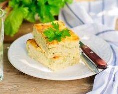 Flan de courgette au chèvre au Thermomix® 3 courgettes vertes 200 g fromage de chèvre en bûche 260 g crème liquide 2 branches de basilic 1 gousse d'ail 10 g d'huile d'olive 2 œufs sel, poivre