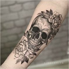 Yes! I want a skull in my flower sleeve, # flower sleeve . - Yes! I want a skull in my flower sleeve # Flower sleeves like to - Forearm Tattoos, Body Art Tattoos, New Tattoos, Tatoos, Small Tattoos, Rosary Tattoos, Bracelet Tattoos, Heart Tattoos, Skull Tattoo Design
