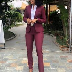 Business Professional Attire, Business Outfits Women, Office Outfits Women, Professional Dresses, Office Attire For Women, Trendy Business Attire, Office Attire Women Professional Outfits, Business Sales, Business Formal