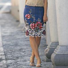 Lace Bottom Skirt from Monroe and Main. www.monroeandmain.com