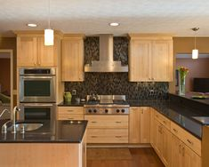 Rule Of Thumb For Stacked Kitchen Cabinets : Normandy . Home Design Ideas Kitchen Cabinets Light Wood, Kitchen Black Counter, Black Kitchen Countertops, Light Wood Kitchens, Kitchen Cabinet Colors, Kitchen Redo, Black Backsplash, Black Counters, Modern Kitchen Design