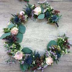 Réaliser une couronne de fleurs / DIY couronne de fleurs                                                                                                                                                                                 Plus