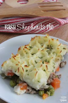 I use to never make Shepherds pie because it can be kind of a complex recipe… Panera Autumn Squash Soup, Easy Shepherds Pie, Ambrosia Salad, Cheese Ball Recipes, Breakfast Bites, Balls Recipe, Dinner Recipes, Dinner Ideas, Dinner Entrees