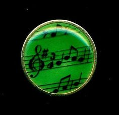 Button-Green-Enamel-Plaquette-Set-in-Brass-France-Music-Notes-Nicely-Made